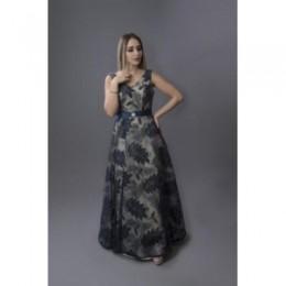فستان طويل بلا أكتاف مشجر