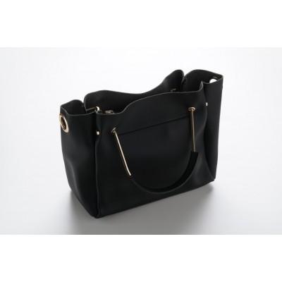 حقيبة يد نسائية قطعتين بسعة كبيره بتصميم جذاب
